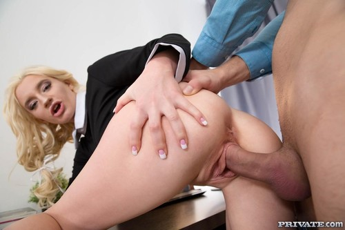 Angelika Cristal - Horny Student Prepares For Anatomy Exam (HD)