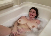 Cumming In The Bubble Bath