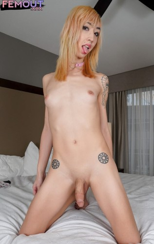 Lizzy Red Plays With Her Toys & Cums! - Lizzy Red (Femout.xxx-Apr 2, 2019)