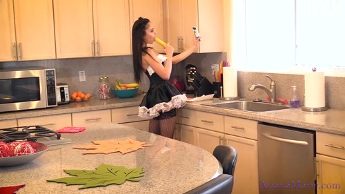 Ariana Marie saves her maid job with BJ - Ariana Marie