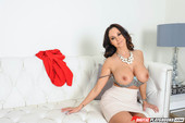 Ava Addams Cougarville Episode 6