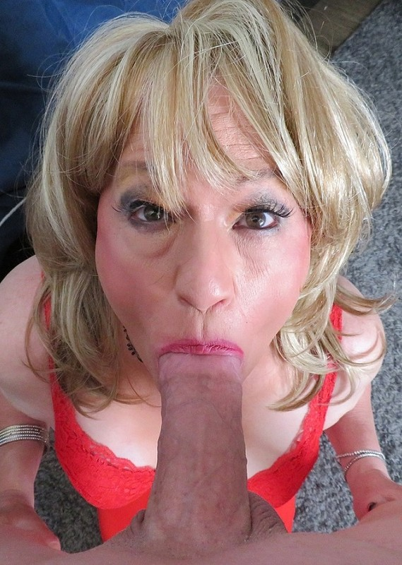 Rita Stevens Horny Crossdresser Adores A Big Dick (23 April 2019)