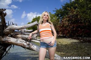 Faye Runaway - Anal Adventure on Monster Island