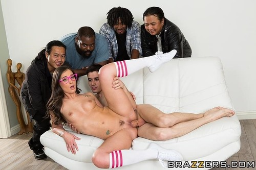 Gia Paige - Be More Like Your Stepsister! (FullHD)