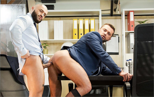 MenAtPlay – To Work Or To Fuck (Francois Sagat & Tyler Berg)