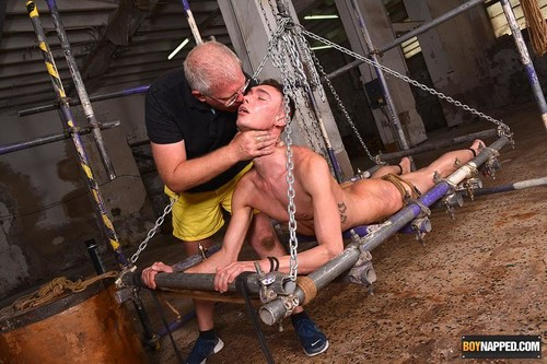 BoyNapped – Milking Out His Cum Load (Max London & Sebastian Kane)