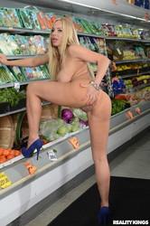 Olivia-Austin-Produce-Aisle-Poonani-165x--f7ah5qhqhw.jpg