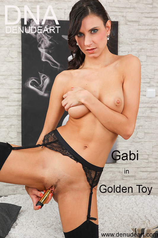 Gabi - Golden Toy - 100 pictures - 5616px (25 Jun, 2019)