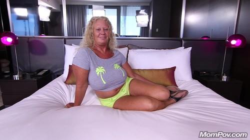 Mompov.com -  Lila - Curvy blonde natural MILF