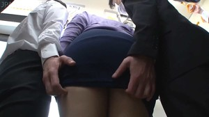 IRO-24 Big Butt Molesting Train sc1