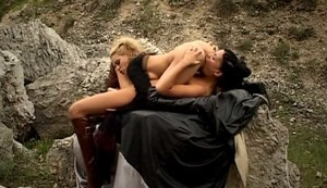 Liz Honey, Tiffany Rousso  - Porn Wars 3 sc1-2