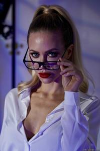 New! 08/20/19    Nicole Aniston - Brazzibots: