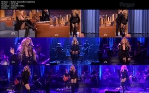 Shakira Video MicroMini Medias De Rejillas Con Botas Altas