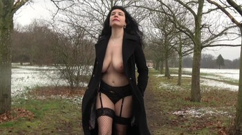 Naked Glamour Model Sensation  Nude Video - Page 4 G7bslf45j7a2