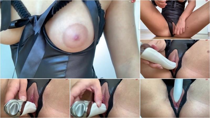 AlmiraLove - Spaß mit Dildo und Leiser Orgasmus - Watch XXX Online [HD 720P]