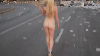 Celebrity Content - Naked On Stage - Page 20 Ezttnxczdkc8