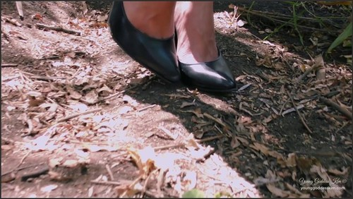Forest Foot slave - Young Goddess Kim  - iwantclips