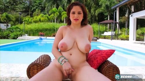 Kim Velez - Its Hot In Paradise [FullHD/1080p]