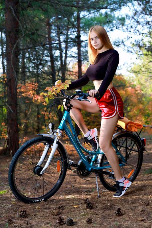 Велосипедистка Дакота(дополнение)