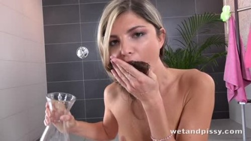 video-gina-gerson 720p - Pee, Pissing