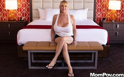 Blonde Cougar With Gigantic Tits [SD]