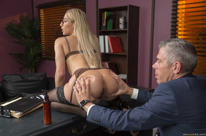 New! 10/20/19    Abella Danger - How To Suckseed