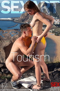 $3x4rt • Oxana Chic in Tourism    Issue Date: