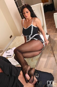 Sheila Grant - Maid For A Stud!