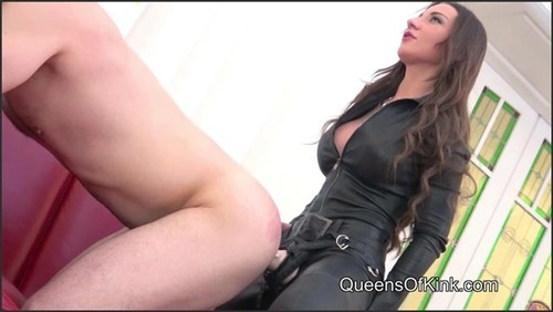 Liza and Julie's Strap-on Bitch. - Queens of Kink  - iwantclips