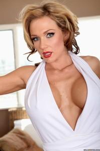 Nikki Sexx - Marilyn Ho and JFKock