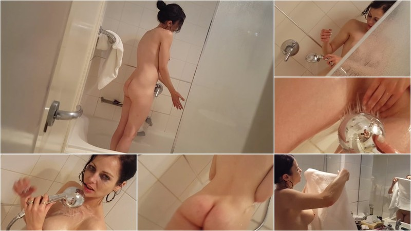 Jade Styles - Spying On Jade In The Shower [FullHD 1080P]