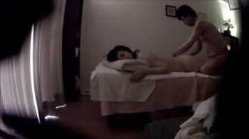 寝取られ系性感マッサージ 20-2 性感オイルマッサージ編 ノリノリです ・・・熟女奥様 48歳