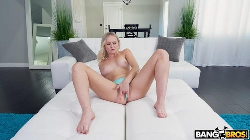 Natalia Queen - Squirting Natalia Fucks Her Step-Dad [HD/720p]